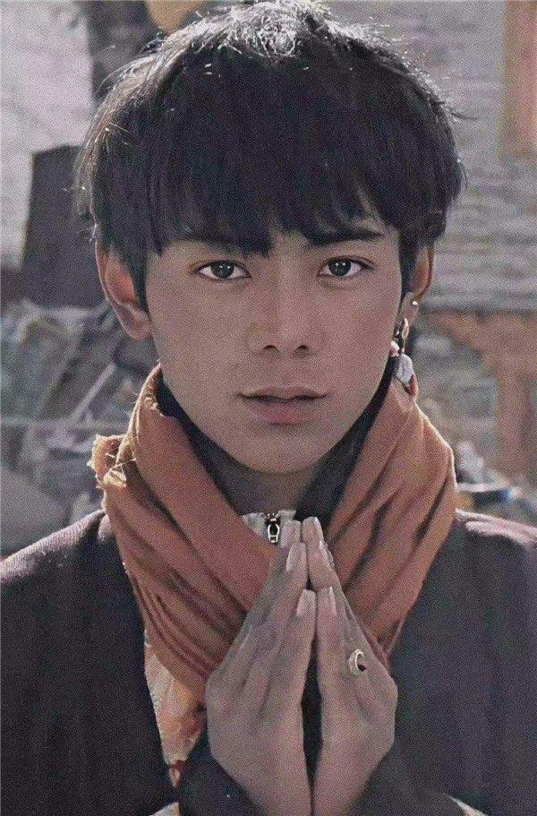 チベット イケメン 美少年